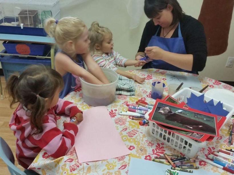 Jenna of Bright Beginnings - preschool hand painting